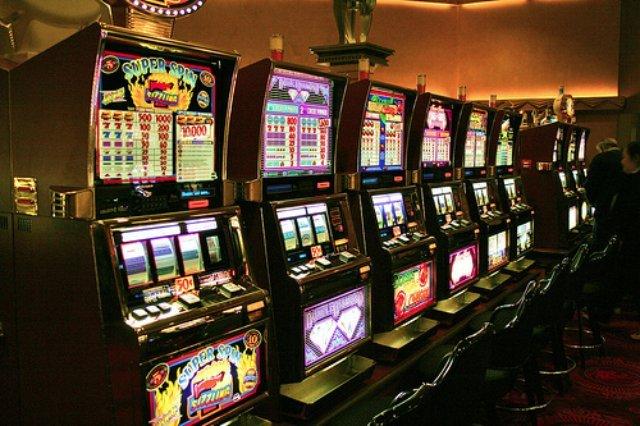 Платные игровые автоматы, в которые можно играть в казино