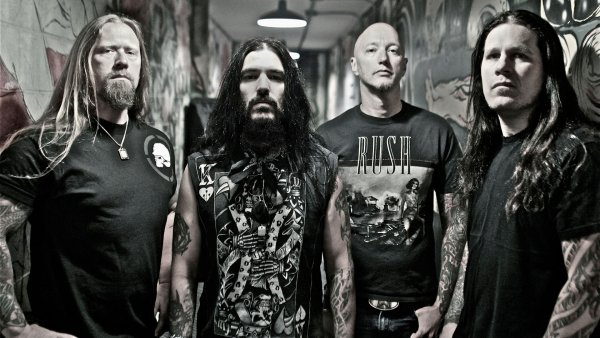 Фанатов выгнали с концерта Machine Head за секс в первом ряду